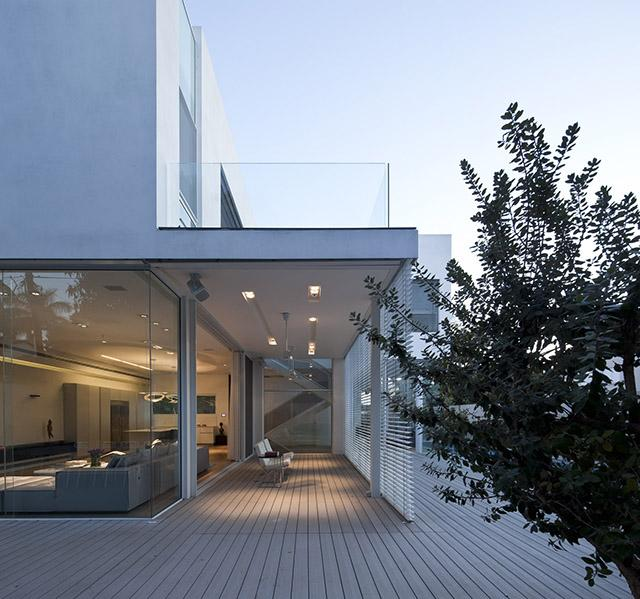L shape house 23 a