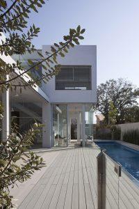 L-shape house