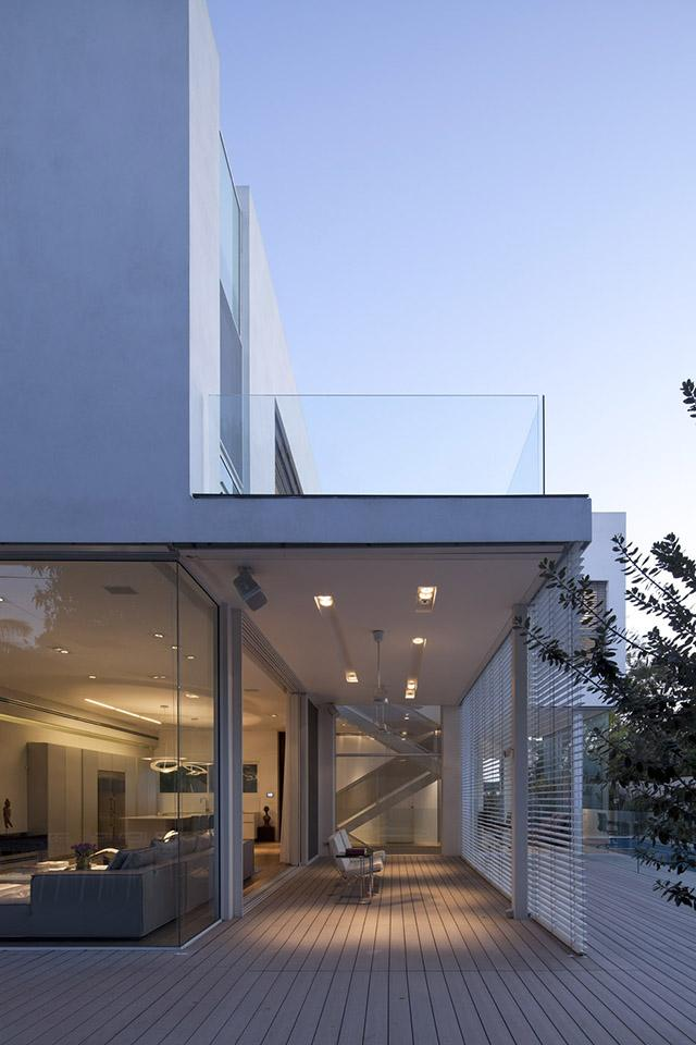 L shape house 26